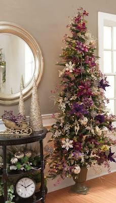 árbol de navidad violeta