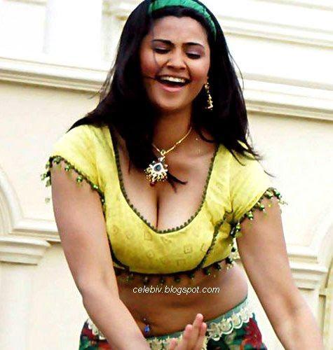 Daisy Shah Hot sexy  dance