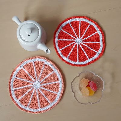http://knitting-and-so-on.blogspot.com.es/2017/04/citrus-fruit-potholder.html