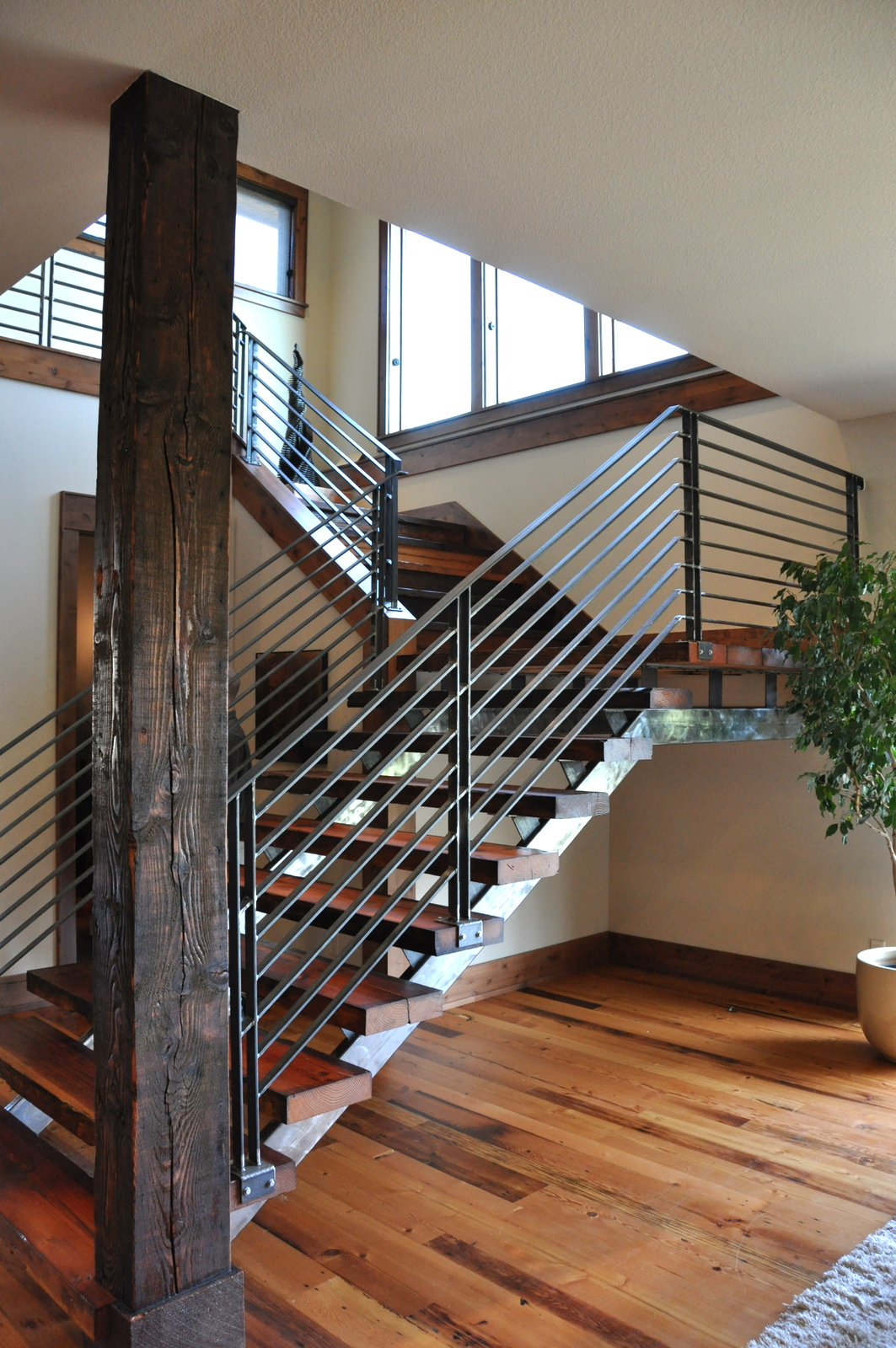 Wood Stair Railings on Pinterest | Iron Stair Railing ...