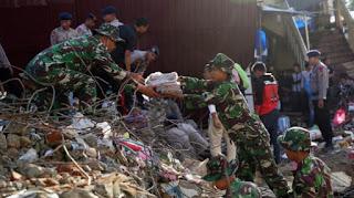 TNI Tambah Personel Untuk Membantu Evakuasi dan Pengobatan Korban Gempa di Pidie Jaya ACEH - Commando