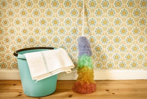 How to Green Clean Your Wallpaper