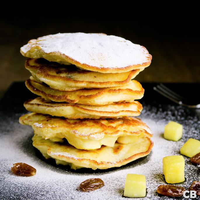 Pannenkoekjes met appel en rum-rozijnen