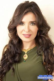 دينا (Dina)، ممثلة وراقصة شرقية مصرية