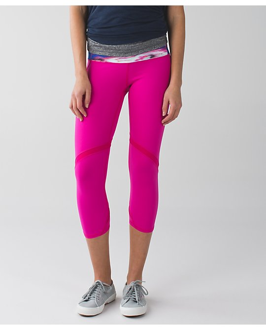 lululemon jeweled-magenta wunder-under