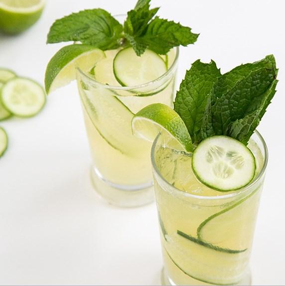 SPARKLING CUCUMBER MINT GIN #Drink #Cocktails