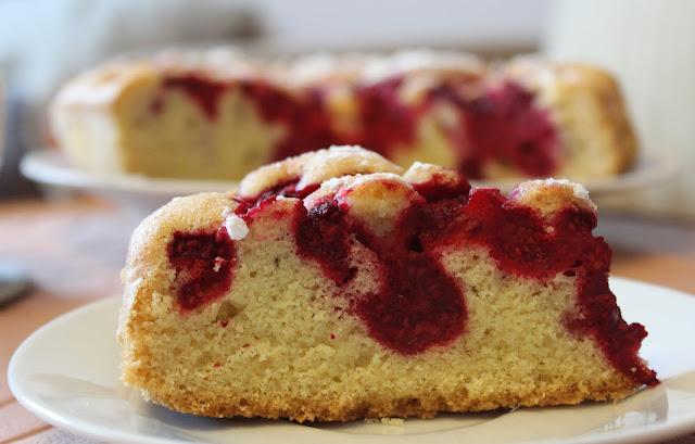 maliny, ciasto, z , malinami, ciastozmalinami, jak zrobic ciasto z malinami, przepis na maliny, przepis na ciasto z malinami, kulinarny blog, szybkie ciasto, ciasto do kawy, ciasto babci, malinowe, malinki, maliny, przepisy, ciasto, ciasta, ciasteczka, blog kulinarny, torty, tort z malinami, owoce, jesienne ciasto, ciasto dla gości, blogujaca mama dwojki,