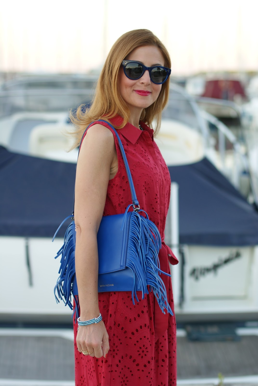 1.2.3 Paris broderie anglaise dress and Iaya Asciani clutch on Fashion and Cookies fashion blog, fashion blogger style