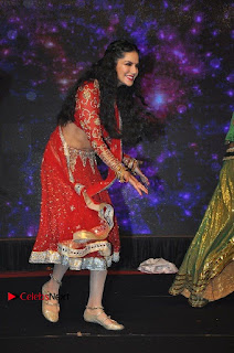 Bollywood Actress Model Sunny Leone Dance Performance in Red Half Saree at Rogue Audio Launch 13 March 2017  0170.jpg