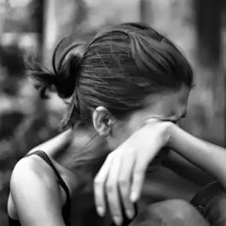 Girl Crying Sad Love Shayari Dil Tuta Mera