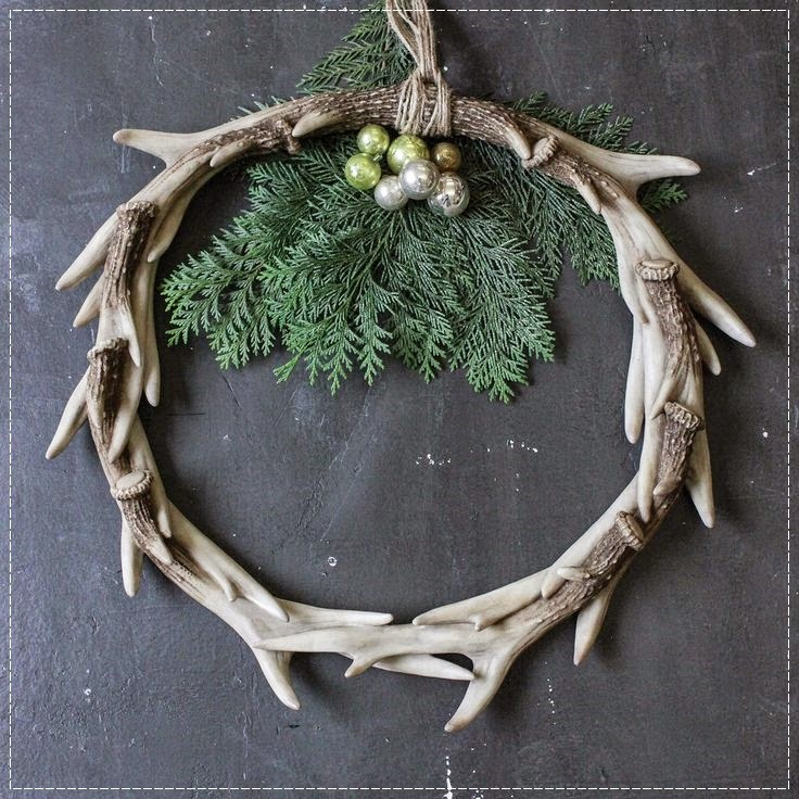 Modern Cabin Decor Wreath Holiday Christmas Antlers Rustic Lodge Mountain Design Ornaments DIY