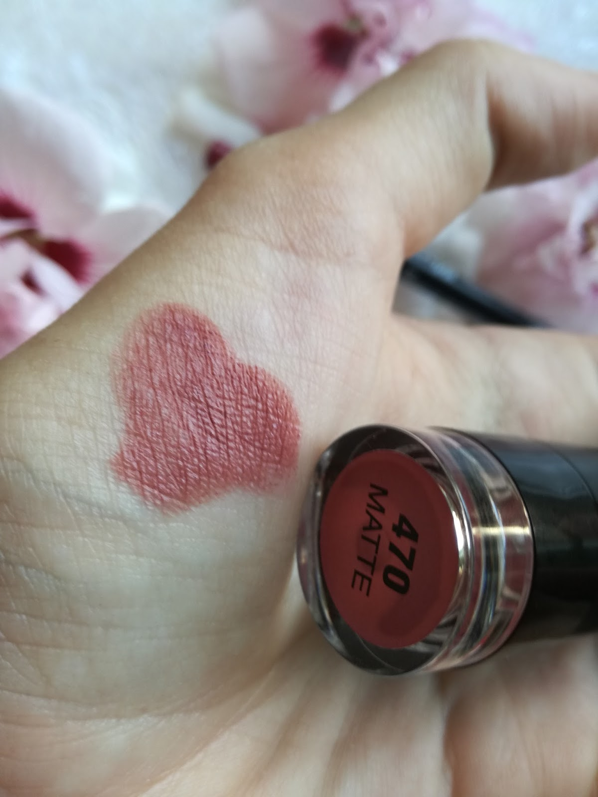 trend-it-up-dm-make-up-swatch-ultra-matte-lipstick-470