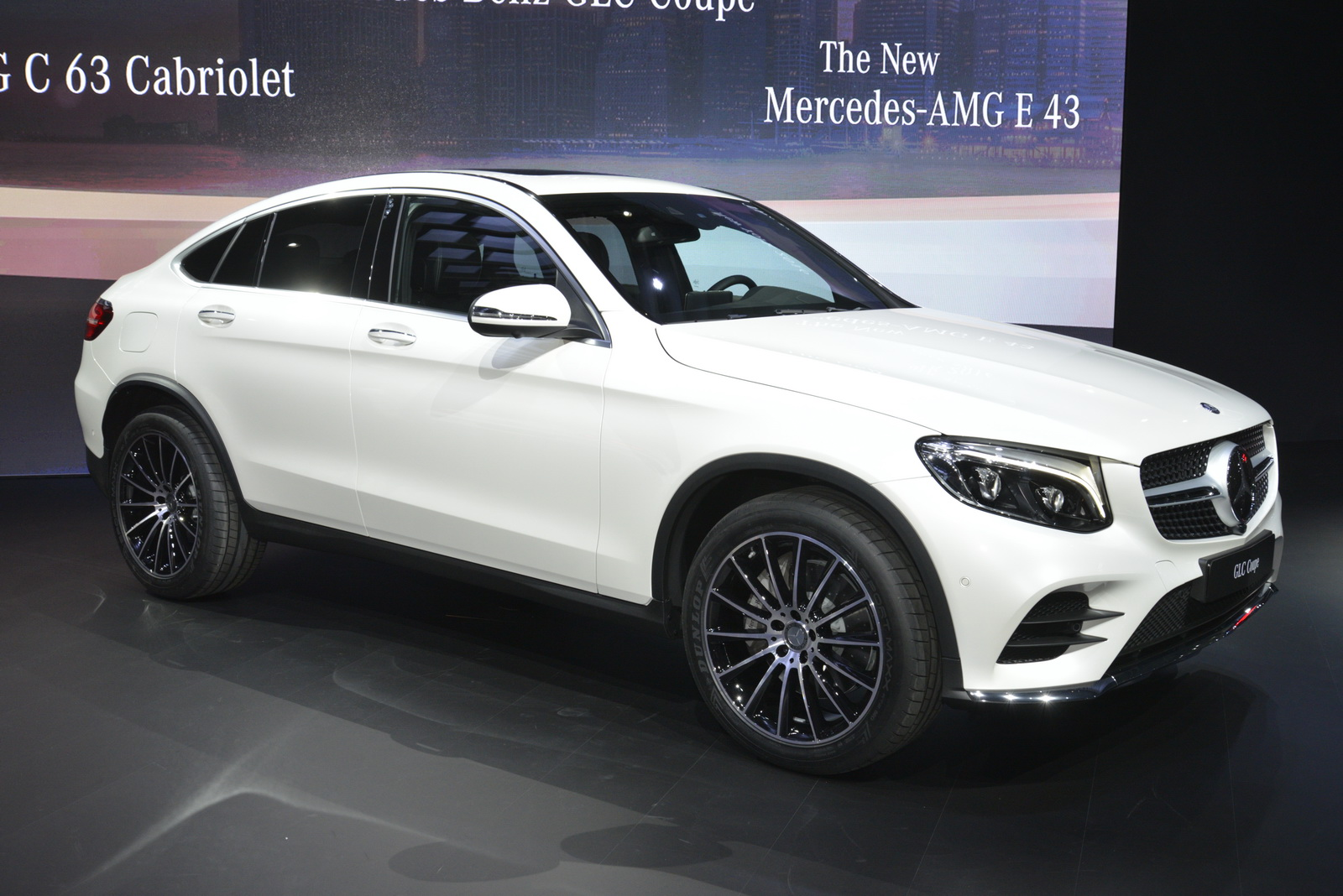 new mercedes glc coupe detailed under ny 39 s lights carscoops. Black Bedroom Furniture Sets. Home Design Ideas