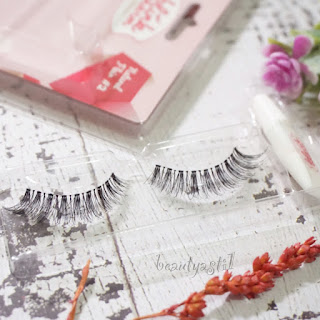 blink-charm-eyelashes-natural-flair-review.jpg