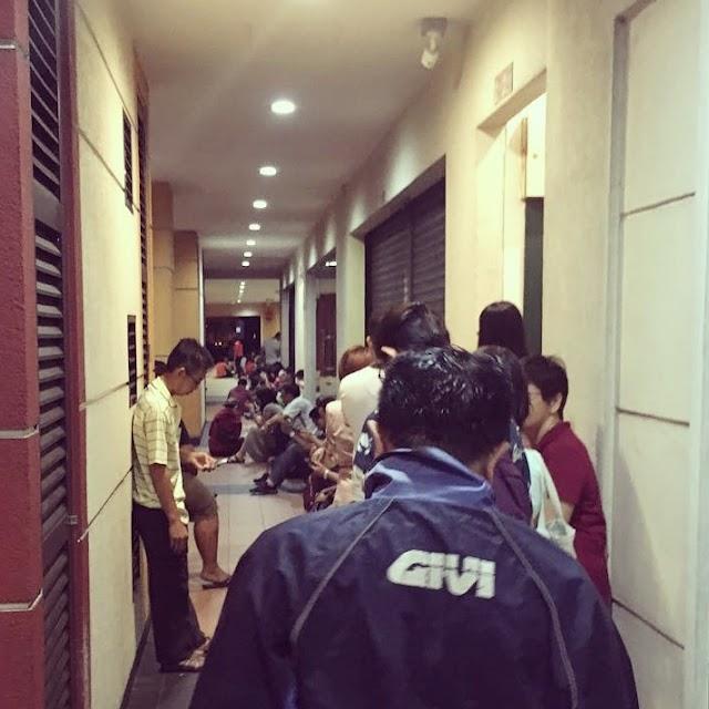 Queueing at 2am to get passport renewed ?