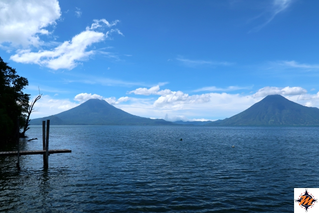 Lago Atitlán perto do Atitlán Sunset Lodge