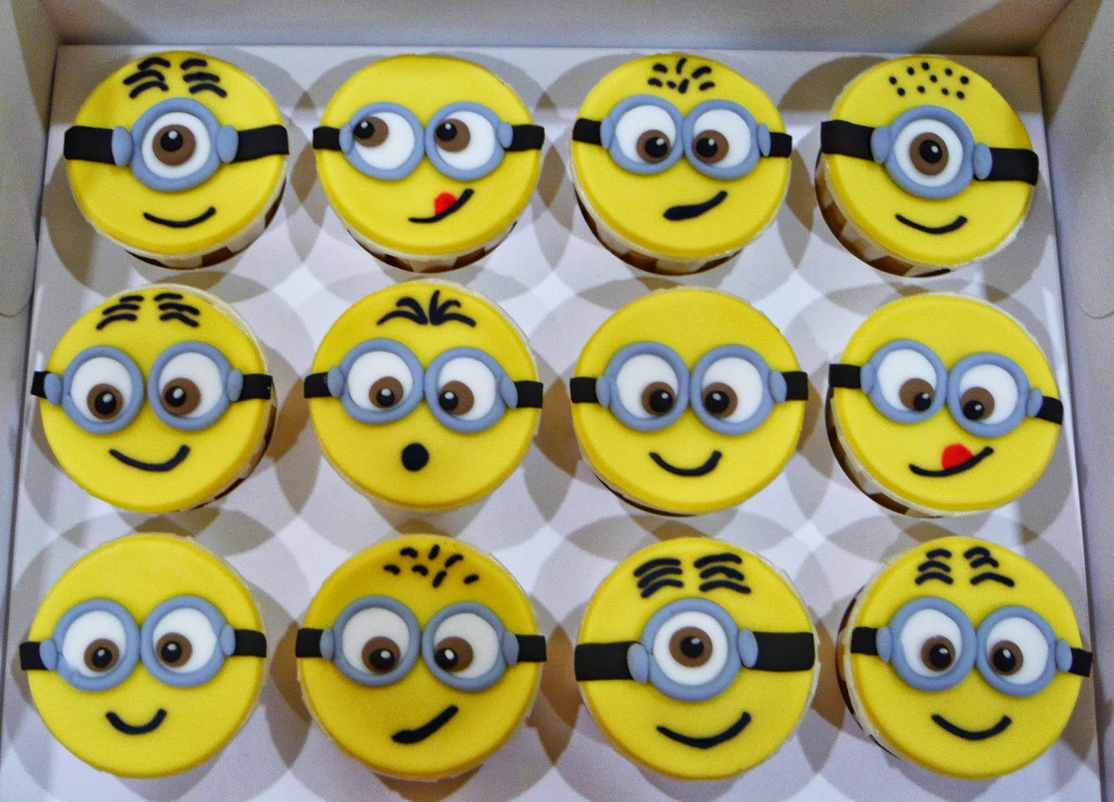 Jenn Cupcakes Amp Muffins 2d Minion Cupcakes