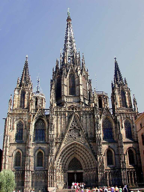 Fachada neogótica da catedral de Barcelona