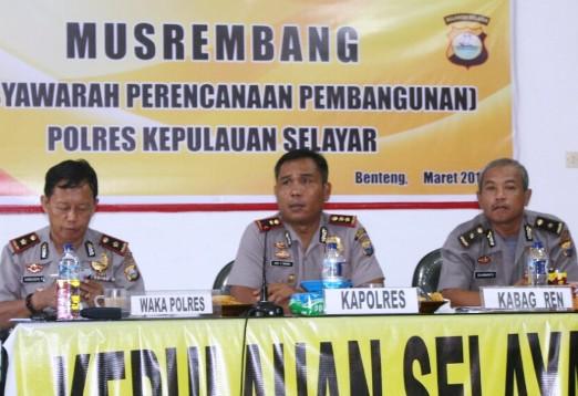 Kapolres Selayar, Perintahkan Tindak Tegas Pelaku Illegal Fishing