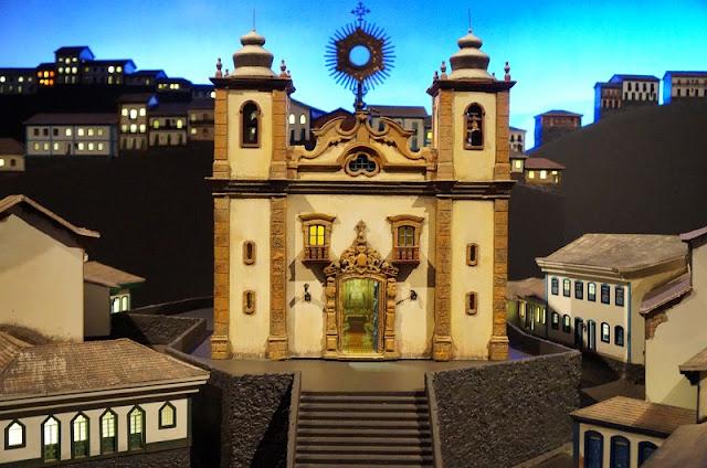 Maquete de uma vila/arraial mineiro - Memorial Minas Gerais Vale