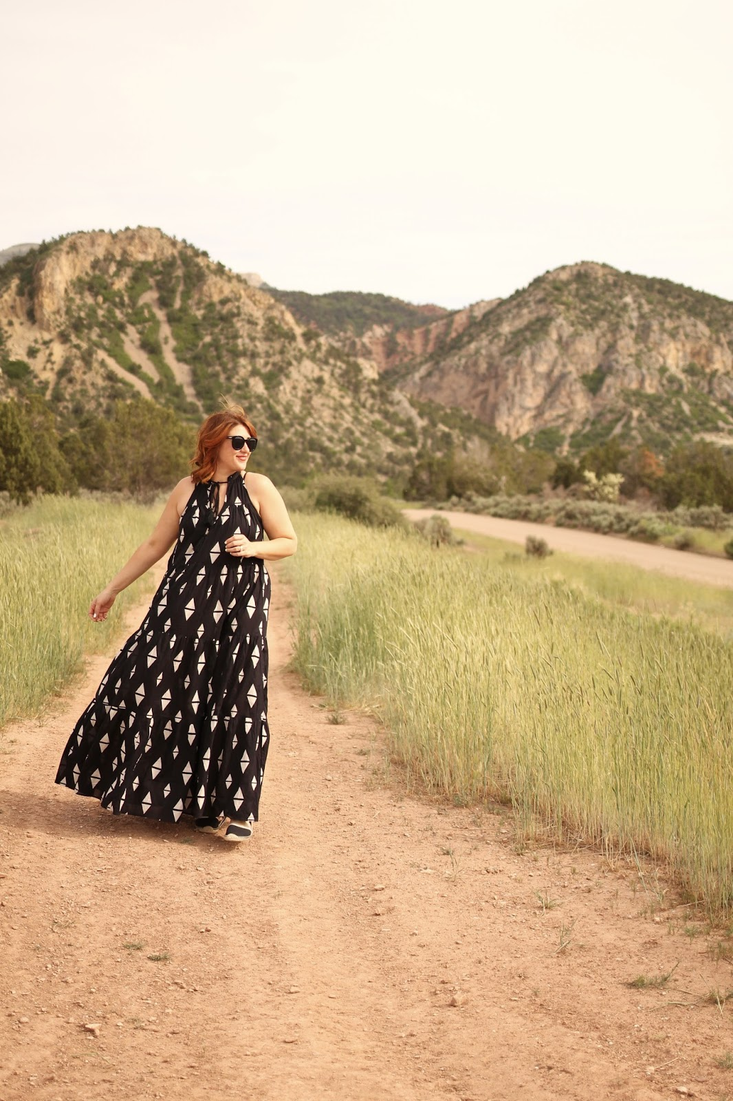 soludos espadrilles, red hair, h&m triange navy maxi dress, maternity, pregnancy style outift