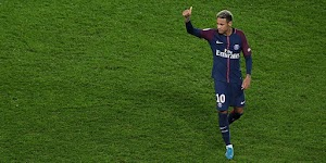 Left Neymar, Barcelona Frustrated