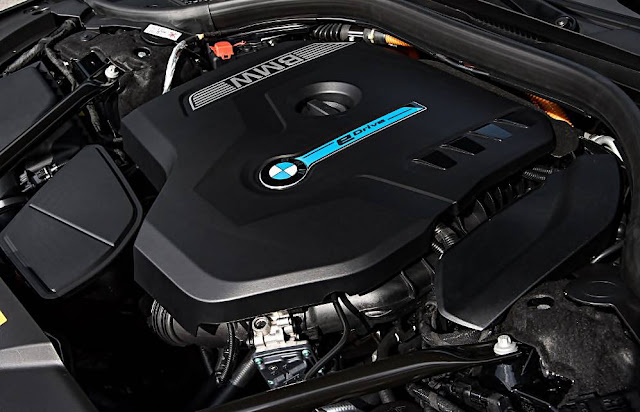 2017 BMW 740e xDrive iPerformance PHEV Engine