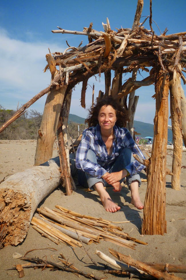 Eu, feliz da vida passeando pela praia no Parco dell'Uccellina