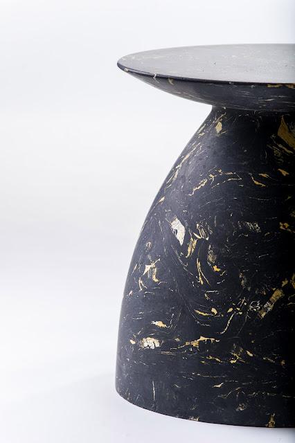 Новости дизайна. Moss & Lam использует «алхимическую» итальянскую технику для создания мраморного стола