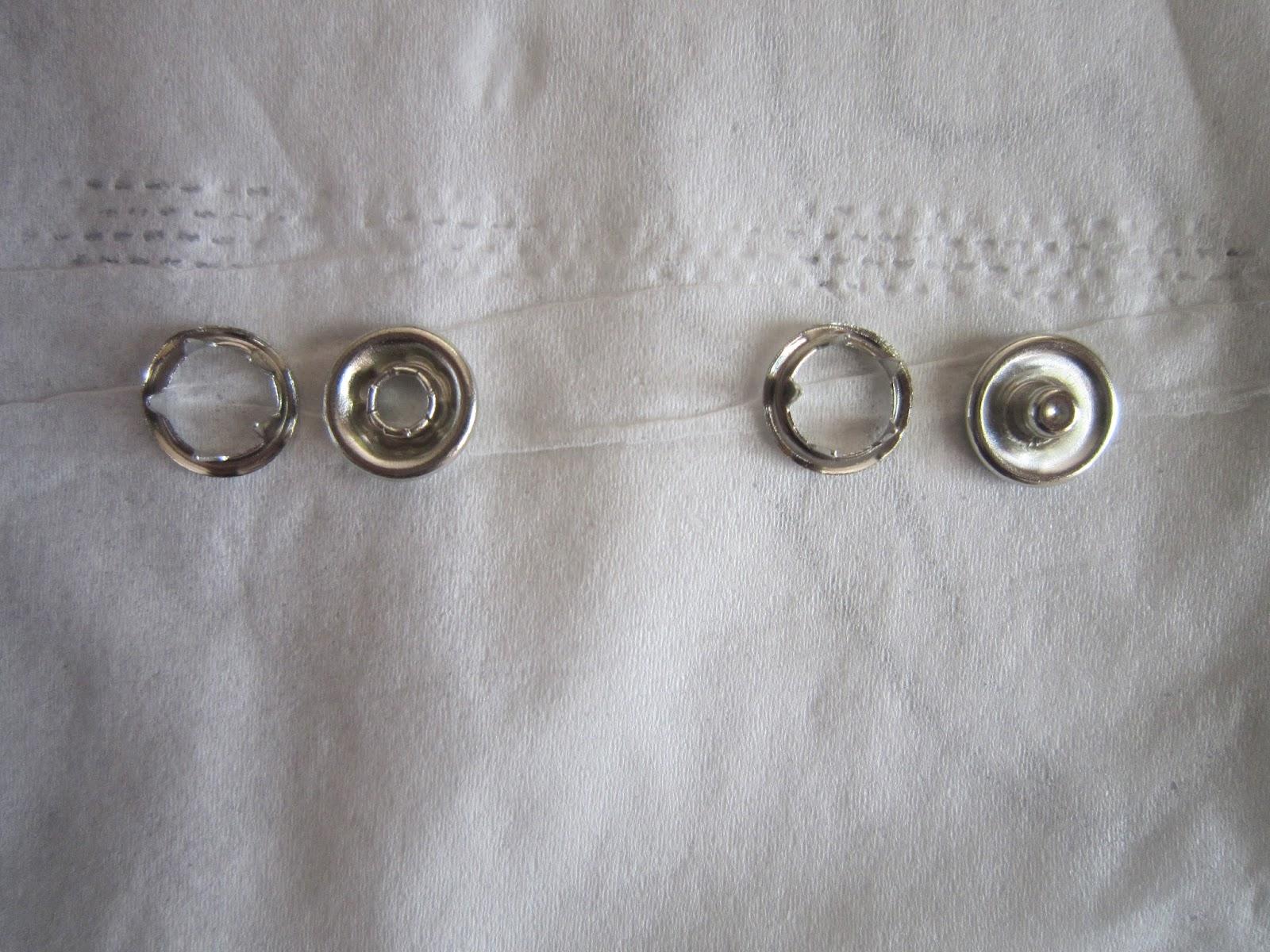 Couture pour debutant e s poser des boutons pressions m talliques - Poser un bouton pression ...