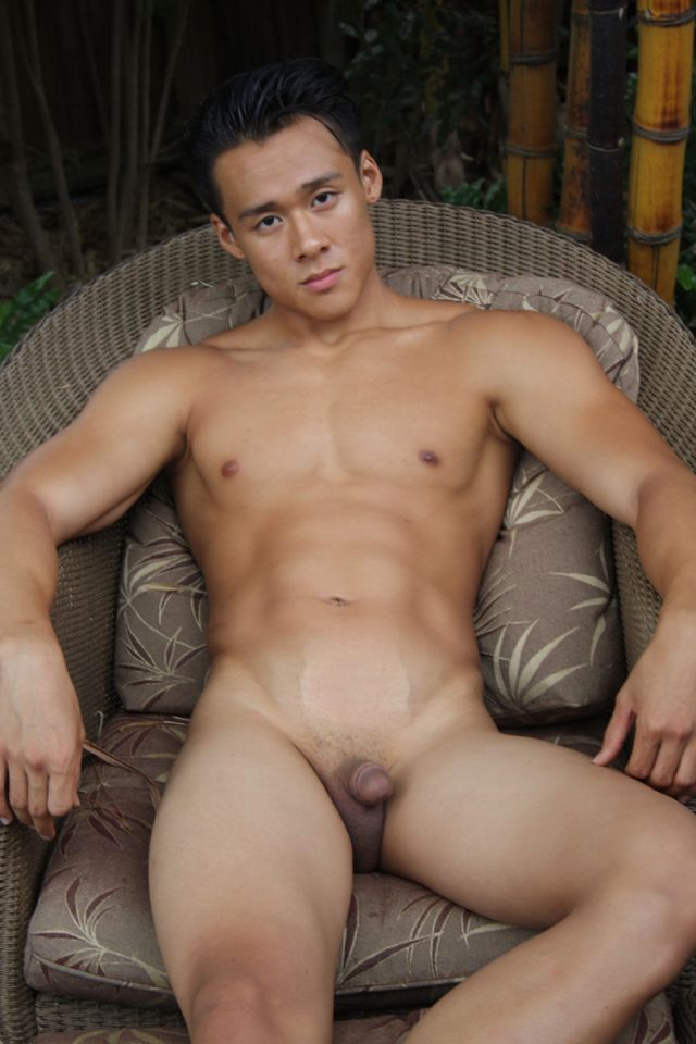 hot-naked-asian-dudes