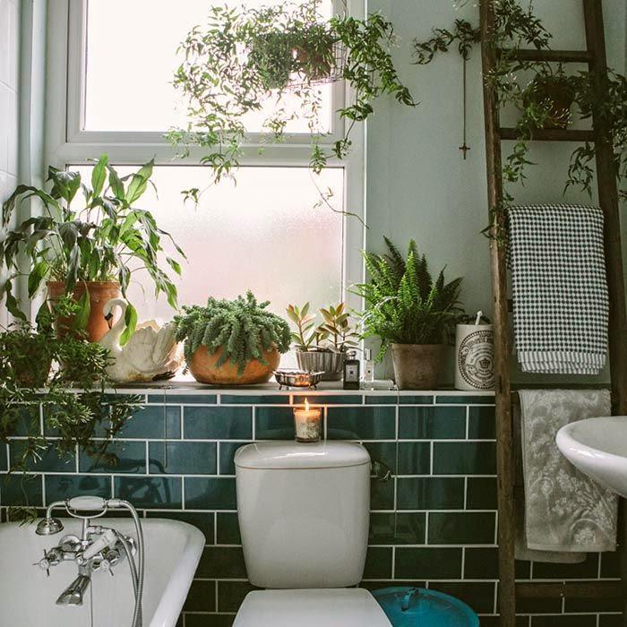 Anne Potters Bathroom Via Design Sponge