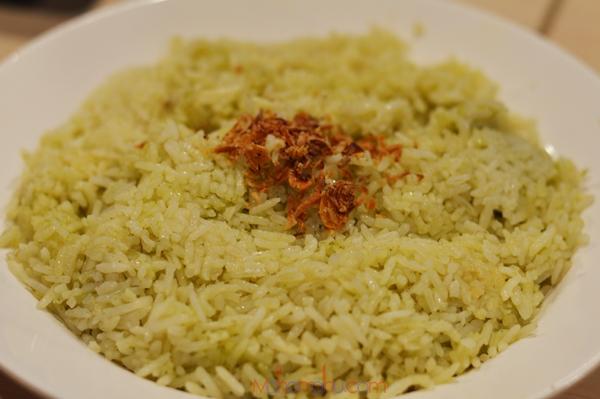 Warisan Nasi Kukus Ayam Goreng Berempah Dengan 5 Pilihan
