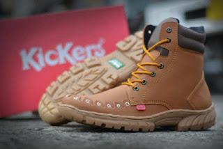 Sepatu Kickers Boots Tooth Tan