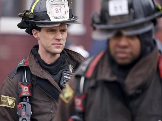 "NUP 186096 0092 595 Spoiler%2BTV%2BTransparent - Chicago Fire (S07E17) ""Move A Wall"" Episode Preview"