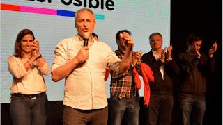 """Con el 96% de las mesas escrutadas, el gobernador Juan Schiaretti reconoció el triunfo de Cambiemos y se comunicó con el presidente Mauricio Macri para """"felicitarlo por los resultados""""."""