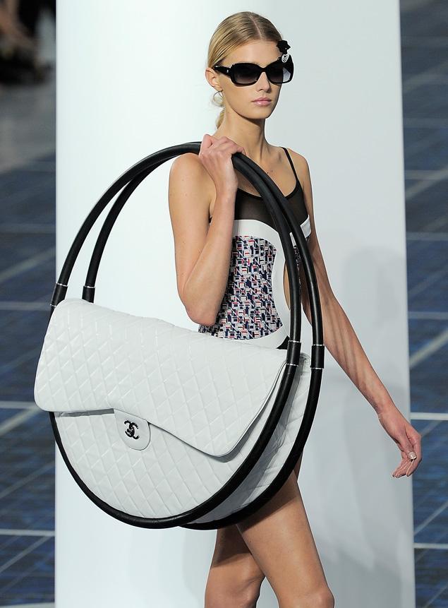 Chanel S New Giant Handbag Cars Amp Life Cars Fashion