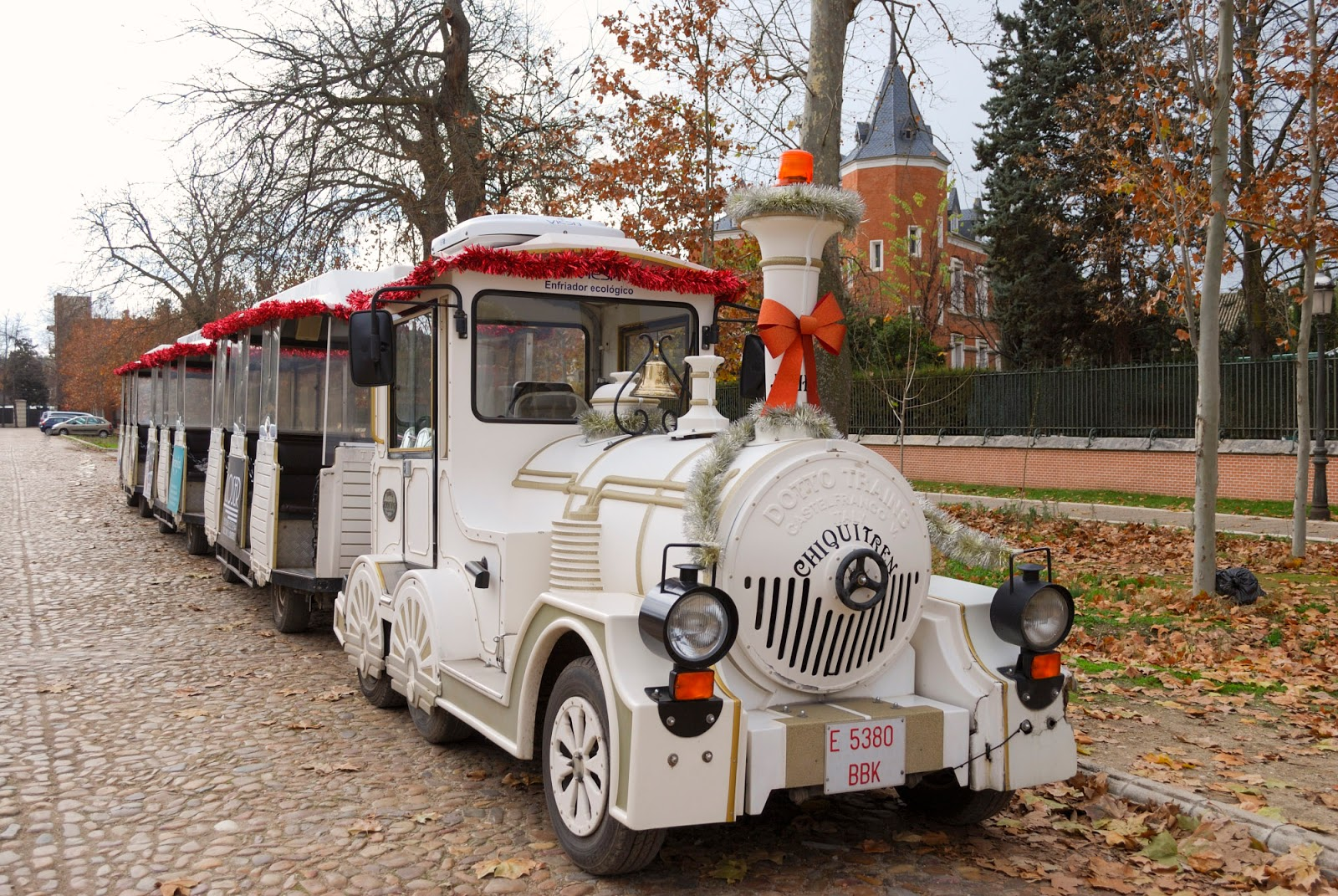 aranjuez madrid winter royal palace gardens spain chiquitren tourist train
