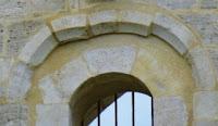 Arco caído en Sta María de Besalú el 1428 y reparado