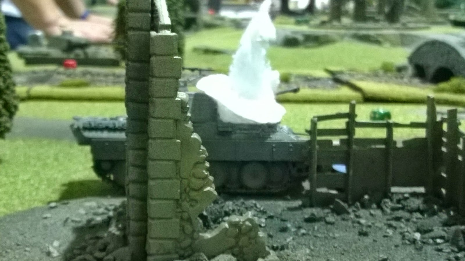 Bolt action tank wars