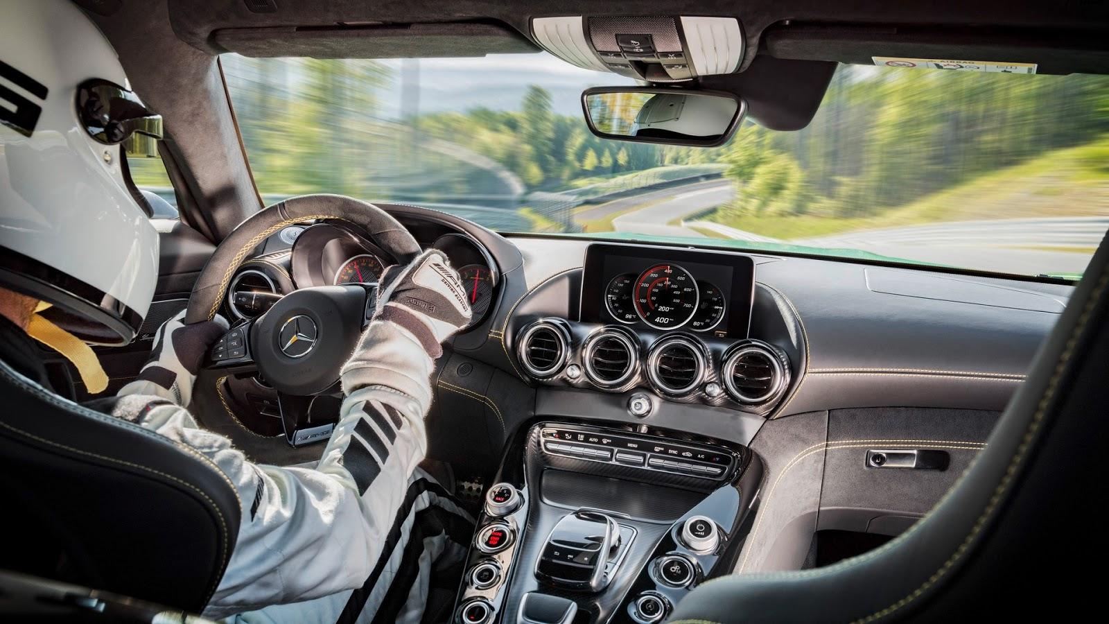 Mercedes-AMGGT-R-30