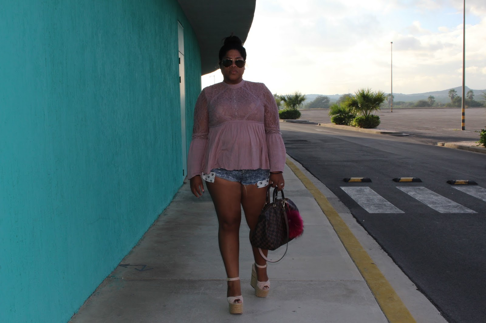 louis vuitton, shopping, luxury, blogger, fashion, curacao, american eagle, topshop, wedges, style, curvy