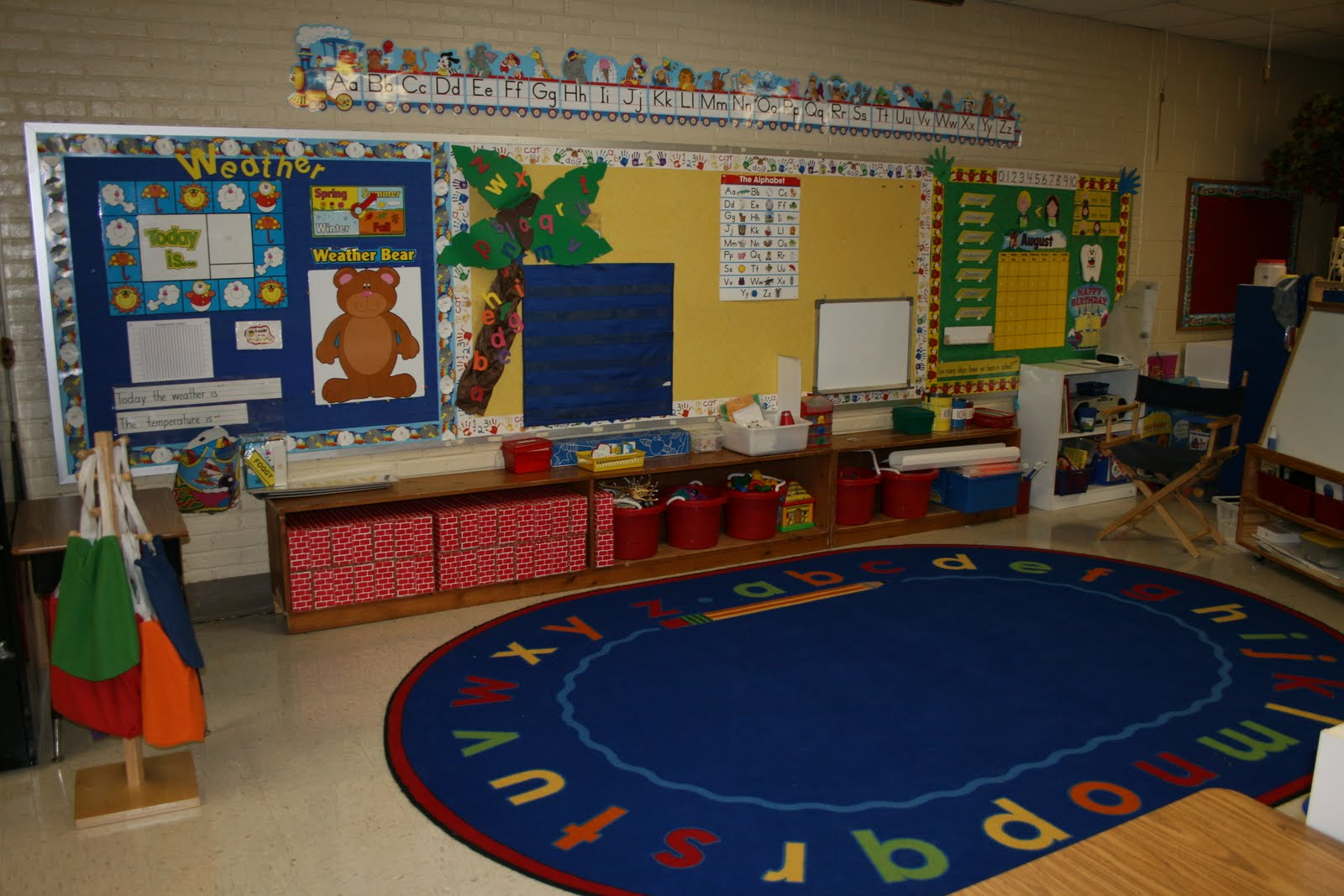 Kindergarten Classroom: How To Create An Ideal Class Meeting Area For Read Alouds