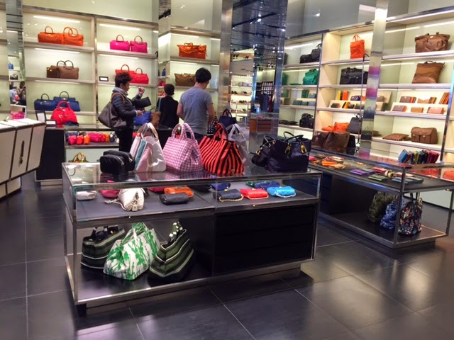 Madison avenue spy inside the prada outlet in florence for Milan factory outlet