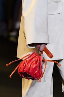 Borsa a secchiello elegante