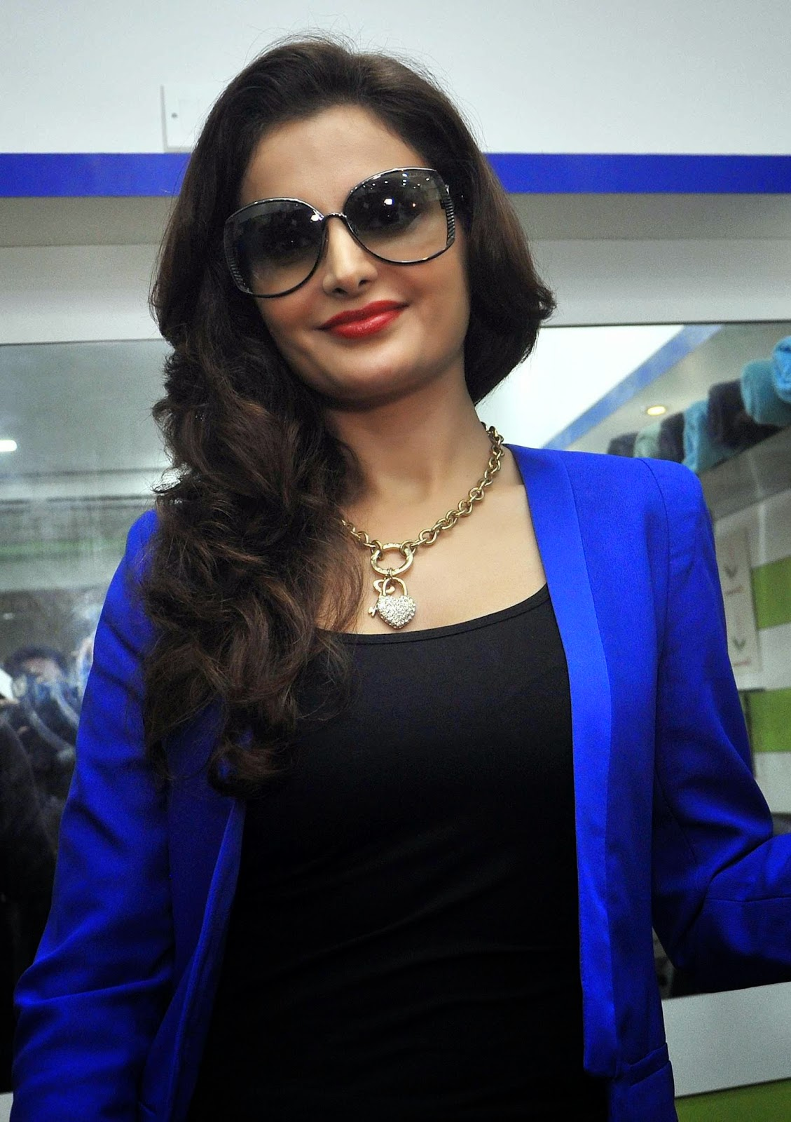 High Quality Bollywood Celebrity Pictures Monica Bedi -7415