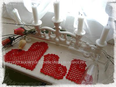 Dessous de tasses coeurs au crochet
