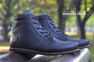 sepatu-berbahan-Pull-up-Leather