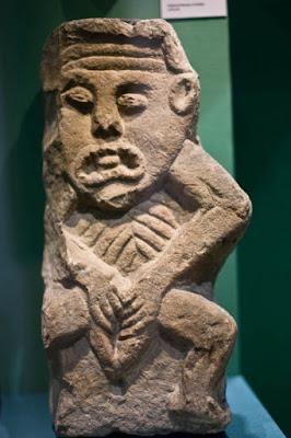 Οι πέτρινες γυμνές θεότητες της Ιρλανδίας με την άσεμνη στάση, τι συμβολίζουν;