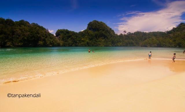 Wisata Pulau Sempu Malang 2014